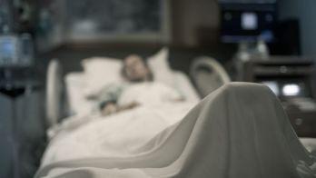 Aggiornamenti in tempo reale: gli ospedali della California stanno prendendo in considerazione il razionamento delle cure a causa dell'ondata di coronavirus