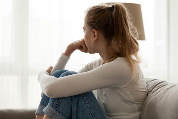 Uno studio ha scoperto che la solitudine può aiutare lo sviluppo di parti del cervello associate all'immaginazione