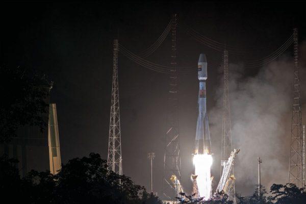 Guarda in diretta: Arianespace lancia un missile Soyuz con il satellite CSO-2 in Francia